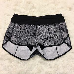 Lululemon Women's Size 4 Dottie Tribe Speed Short